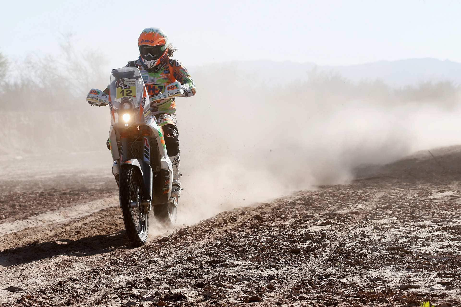 BELEN, ARGENTINA - JANUARY 12:  Laia Sanz of Spain riding on and for KTM 450 RALLY REPLICA KTM RACING TEAM competes on day 10 stage 9 during the 2016 Dakar Rally on January 12, 2016 in near Belen, Argentina.  (Photo by Dean Mouhtaropoulos/Getty Images)